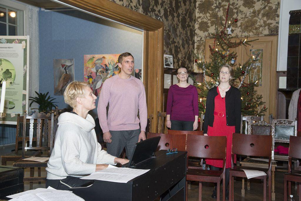 Laulutuntien satoa joulukonsertissa